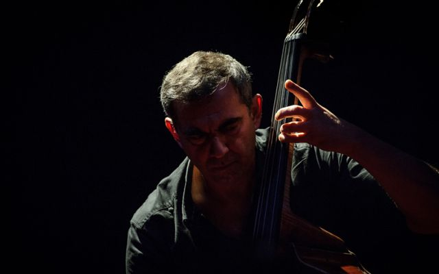 "Claude Tchamitchian solo ""In Spirit"" - Photo : DR"