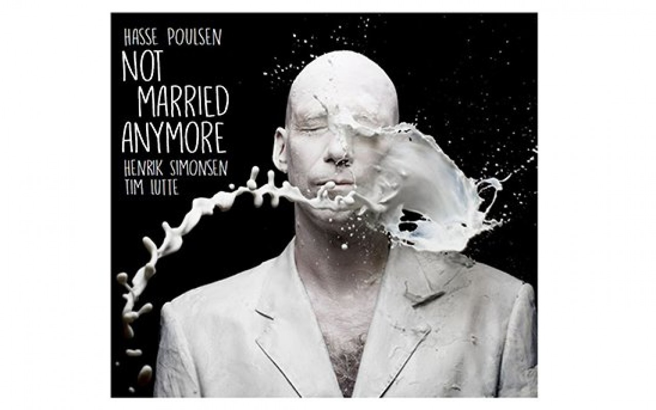 "hasse poulsen ""not married anymore"" - Photo : Visuel de Denis Rouvre"